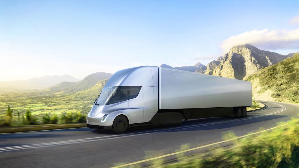 Daimler сомневается в способности Tesla обойти законы физики